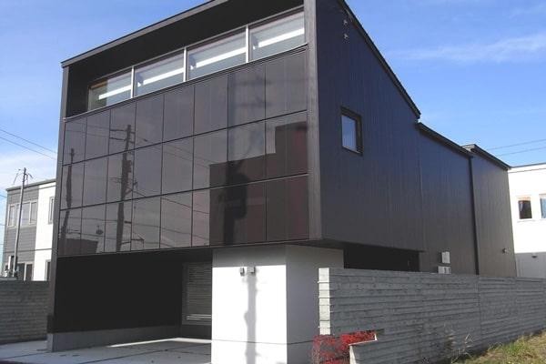 壁面太陽光発電システム|有限会社トミタ